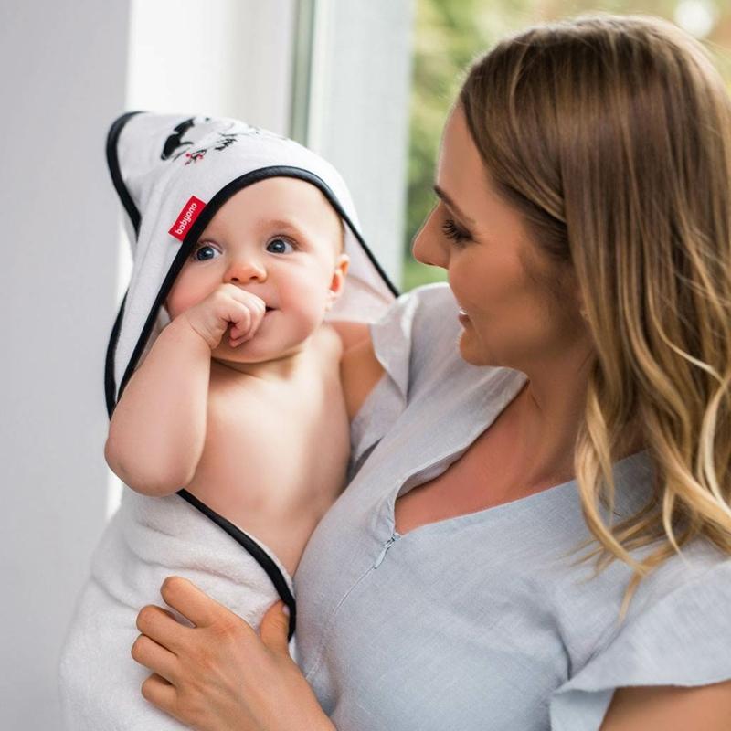 kapucnis baba törölköző